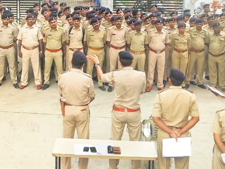 9 PI સહિત ચાંપતો બંદોબસ્ત, પોલીસ કર્મચારીઓને સોફ્ટસ્કિલ રહેવા સૂચના  - Divya Bhaskar