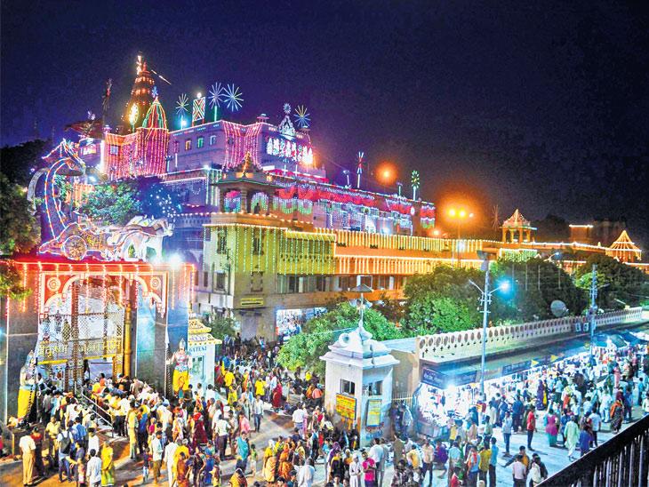 જન્માષ્ટમી મહોત્સવમાં દેશ-દુનિયામાંથી બે લાખ ભક્તો ઉમટ્યા|ઈન્ડિયા,National - Divya Bhaskar