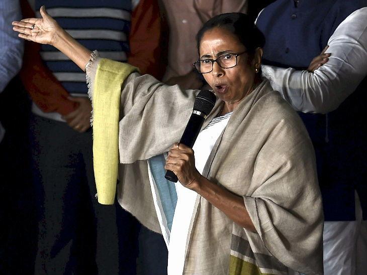 મમતાનો આરોપ- કેન્દ્ર સરકાર કાશ્મીરમાં લોકોનો અવાજ દબાવી રહ્યા છે, હવે તેમની નજર બંગાળ પર ઈન્ડિયા,National - Divya Bhaskar