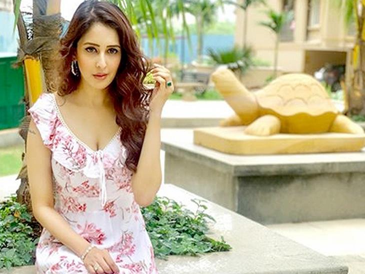 ટીવી એક્ટ્રેસ ચાહત ખન્નાનો મીટૂ મૂવમેન્ટને લઈ શોકિંગ દાવો, કેટલાંક ચેક લઈને ચૂપ રહ્યાં ટીવી,TV - Divya Bhaskar