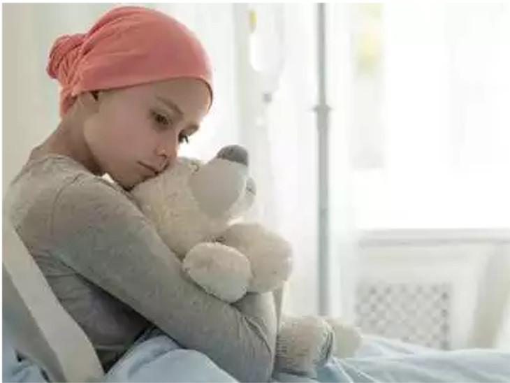 WHOનાં રિપોર્ટ અનુસાર દર વર્ષે અંદાજે 3 લાખ બાળકો કેન્સરની ઝપેટમાં આવે છે  - Divya Bhaskar