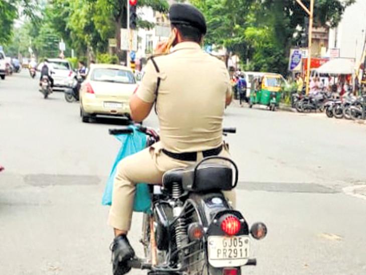 હેલમેટ વગરનો ફોટો પાડી વાઇરલ કરનારને ગાળો આપનાર SMCના કર્મી વિરુદ્ધ આવેદન પત્ર અપાયું સુરત,Surat - Divya Bhaskar
