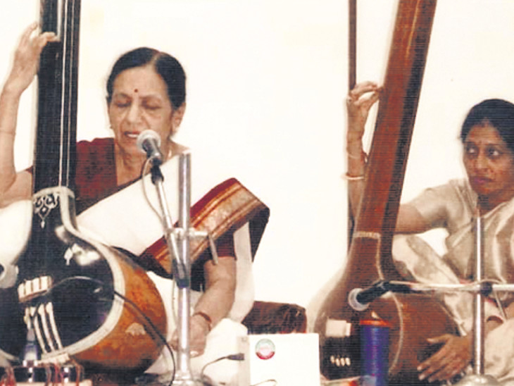 ગુરુનું ઋણ અદા કરવા શાસ્ત્રીય સંગીત મફત શીખવશે ઈન્ડિયા,National - Divya Bhaskar