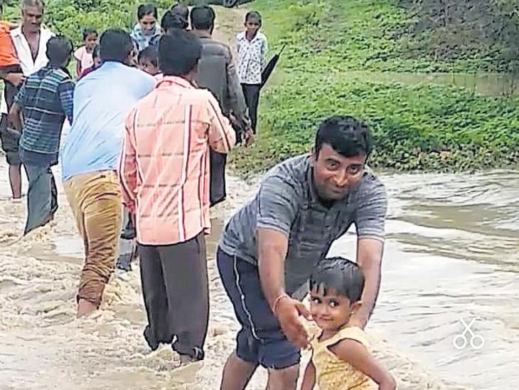 સૌરાષ્ટ્રમાં મેઘાની અનબીટન ઇનિંગ, ક્યાંક અડધો તો ક્યાંક 5 ઇંચ વરસાદ|ઈન્ડિયા,National - Divya Bhaskar