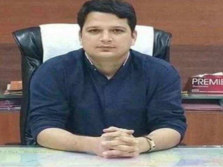 કલેક્ટરે તેની ઓફિસમાં પ્લાસ્ટિક કપના ઉપયોગ પર પોતાના પર 5000 રૂપિયાનો દંડ લગાવ્યો|ઈન્ડિયા,National - Divya Bhaskar
