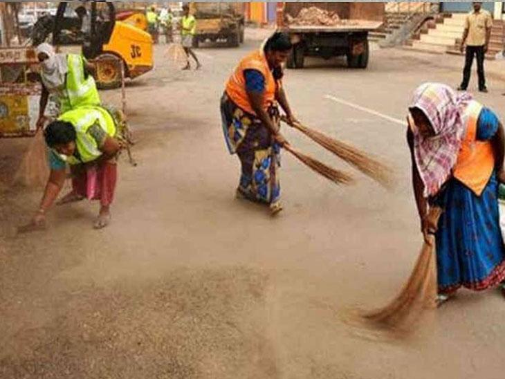 શહેરમાં ગંદકી તેમજ સફાઈ કામના ફોટો લઇ વોટ્સઅપ કરવાનો આદેશ|ગાંધીનગર,Gandhinagar - Divya Bhaskar