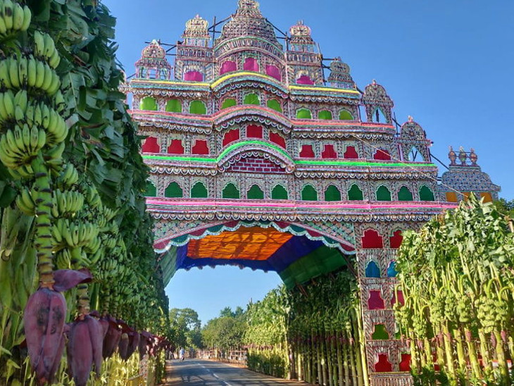 મોદી અને શી જિનપિંગના સ્વાગત માટે 18 પ્રકારનાં શાકભાજી અને ફળોથી પંચ રથનો ગેટ સજાવ્યો  - Divya Bhaskar