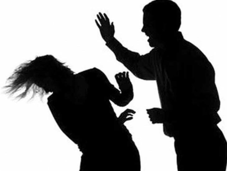 ગાંધીનગરમાં ચંપલ ખોવાતાં CRPF આસિ. કમાન્ડન્ટે પત્નીને લાફા માર્યા|ઈન્ડિયા,National - Divya Bhaskar