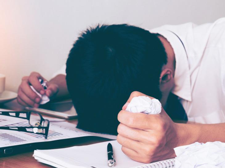 34 ટકા વિદ્યાર્થીને માતા-પિતા સાથે ઓછી વાતચીત, રિલેશનમાં સ્ટ્રેસના કારણે મરવાનો વિચાર આવે છે|ઈન્ડિયા,National - Divya Bhaskar