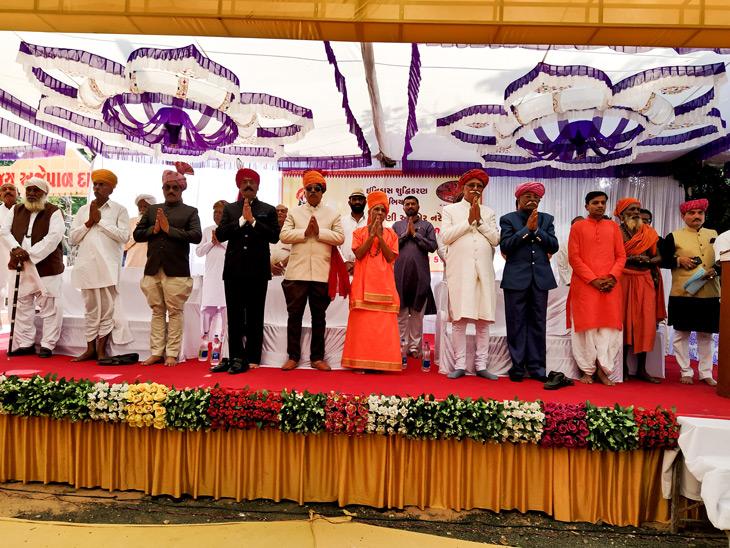 અજેપાળ દાદાના હજાર વર્ષ પૂર્ણ થયાં,  દાદાનો સાચો ઇતિહાસ લોકો સમક્ષ મુકવામાં આવ્યો|ઈન્ડિયા,National - Divya Bhaskar