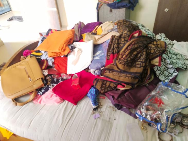 રાજપીપળામાં ચડ્ડી-બનિયાનધારી ગેંગ સક્રિય, વડિયામાં બે બંધ મકાનમાં તસ્કરોનો હાથફેરો|રાજપીપળા,Rajpipla - Divya Bhaskar