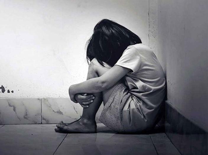 6 વર્ષીય દીકરી પર બળાત્કાર ગુજારનાર હેવાન પિતાની ધરપકડ|સુરત,Surat - Divya Bhaskar