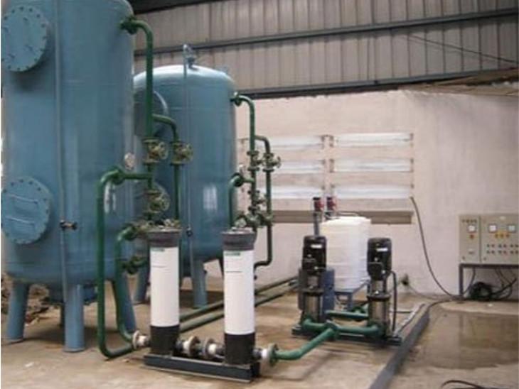 મોટા વરાછા ઇન્ટેક વેલ પાલિકાના પાણી શુદ્ધિકરણ પ્લાન્ટમાં ક્લોરીન લીકેજથી વાયરમેનને ગુંગળામણ થઈ|સુરત,Surat - Divya Bhaskar