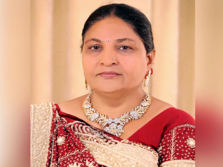 અમદાવાદમાં બ્રેઈનડેડ જાહેર થયેલી સુરતી મહિલાએ અંગદાન કરી માનવતા મહેકાવી, બે મહિલાઓને નવજીવન મળ્યું સુરત,Surat - Divya Bhaskar