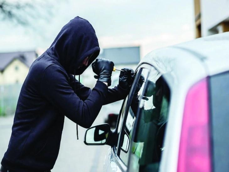ગાડી ચોરીના કિસ્સામાં ઈન્શ્યોરન્સ ક્લેમ મેળવવા માટે વીમા કંપનીને કારની બંને ઓરિજનલ ચાવી આપવી જરૂરી છે| - Divya Bhaskar