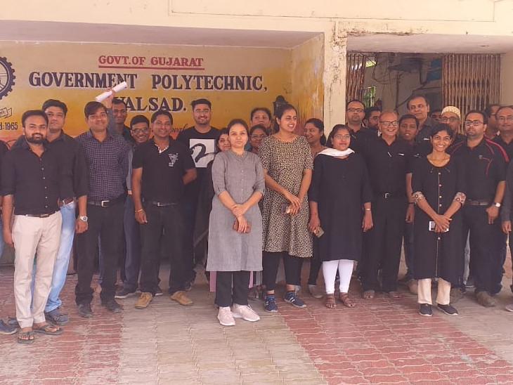 સાતમું પગાર પંચ ન મળતાં સરકારી પોલિટેક્નિકના પ્રાધ્યાપકોએ કાળા કપડાં પહેરી વિરોધ દર્શાવ્યો|સુરત,Surat - Divya Bhaskar