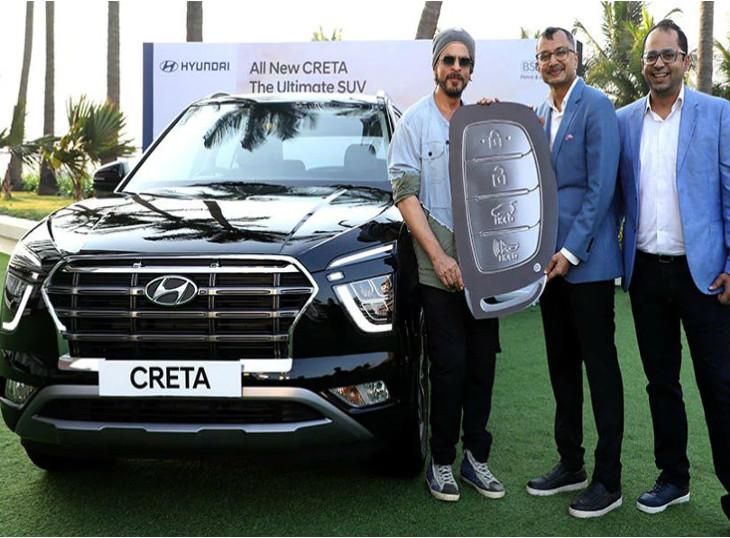 શાહરૂખ ખાન 2020 હ્યુન્ડાઇ ક્રેટાનો પ્રથમ માલિક બન્યો, નવી ક્રેટાની ડિલિવરી શરૂ થઈ|ઓટોમોબાઈલ,Automobile - Divya Bhaskar