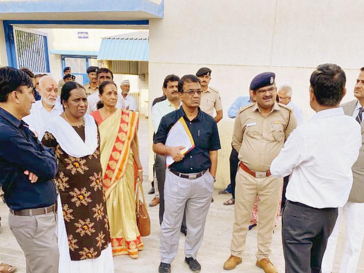 બેઠક જેલના નિયમ અનુસાર મળી હતી - Divya Bhaskar