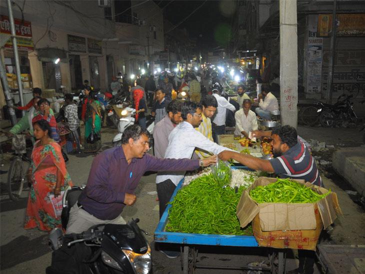 કોરોનાને કારણે શાકભાજીવાળાએ ભાવ વઘારી દીધા - Divya Bhaskar