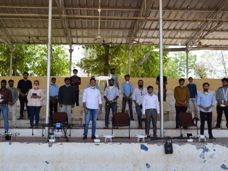 ઇન્ડિયન ડ્રોન સ્કવોડના સભ્યો - Divya Bhaskar