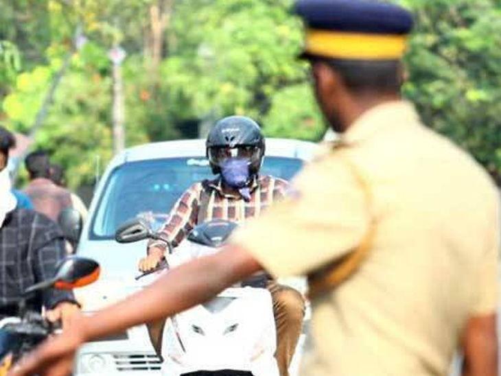 પડધરી પોલીસે વાહન ચેકીંગ દરમિયાન આધેડને માર માર્યો, પોલીસે સત્તાનો દૂર ઉપયોગ કર્યાનો દીકરીનો આક્ષેપ રાજકોટ,Rajkot - Divya Bhaskar