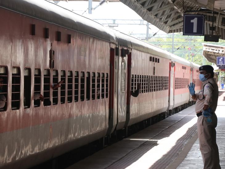 ઉત્તરપ્રદેશ, બિહારની સાત ટ્રેનોમાં 11200 શ્રમિક ગયા અમદાવાદ,Ahmedabad - Divya Bhaskar