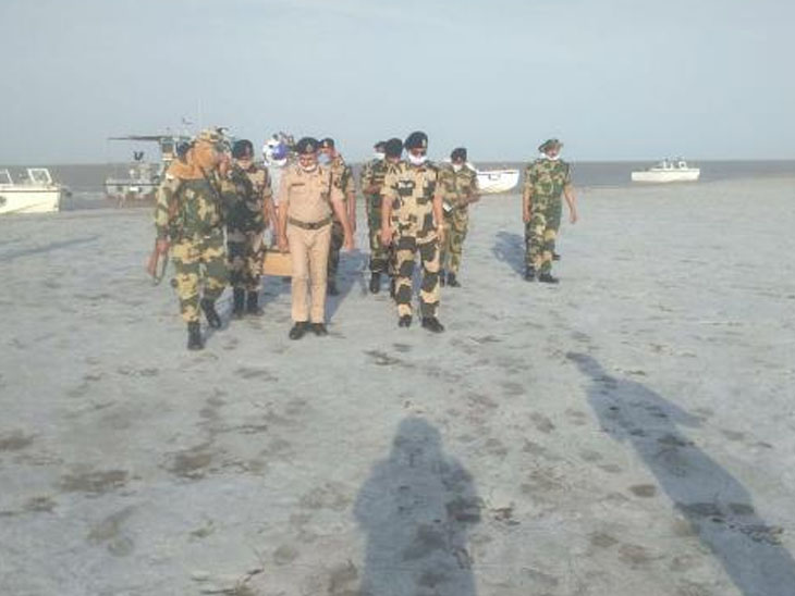 કચ્છની સરહદે સુરક્ષા વ્યવસ્થા ખૂબ જ મજબુત: બીએસએફ ડીજી ભુજ,Bhuj - Divya Bhaskar
