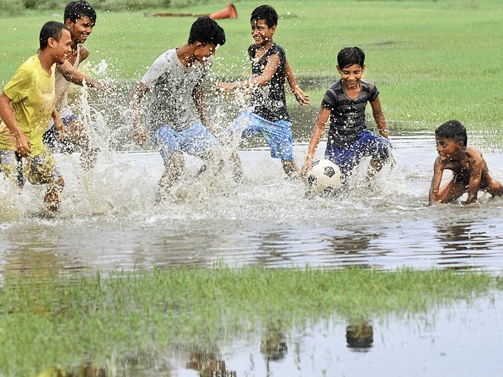 ઉત્તરાખંડ, બિહાર, પશ્ચિમ બંગાળ, છત્તીસગઢ અને ઓડિશામાં વરસાદ|ઈન્ડિયા,National - Divya Bhaskar