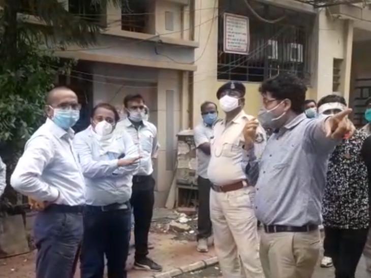 વરાછામાં હીરાની ઓફિસના સંચાલકને દંડ કરવા પહોંચેલા પાલિકાના કર્મચારીઓ વચ્ચે માથાકૂટ, પોલીસે મામલો થાળે પાડ્યો સુરત,Surat - Divya Bhaskar