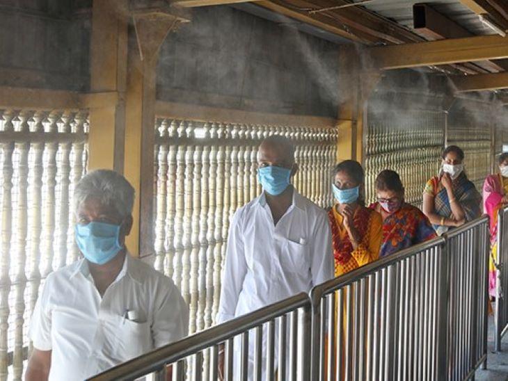 મંદિરમાં ટ્રાય ઓઝોન સ્પ્રે સિસ્ટમ લગાવવામાં આવી છે, છતાંય કેસ વધી રહ્યા છે
