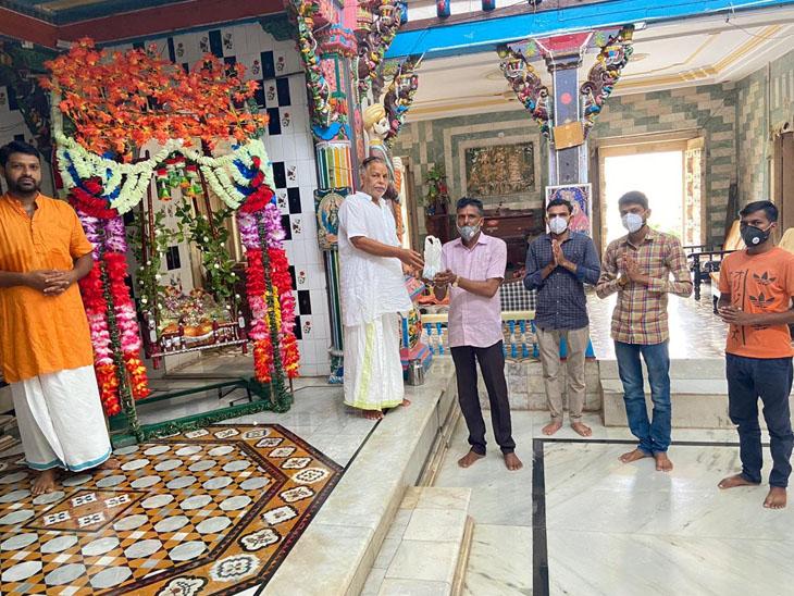 માંડવી રામજી મંદિરથી અયોધ્યા રામ મંદિરના નિર્માણ માટે માટી જળ મોકલાશે|કામરેજ,Kamrej - Divya Bhaskar