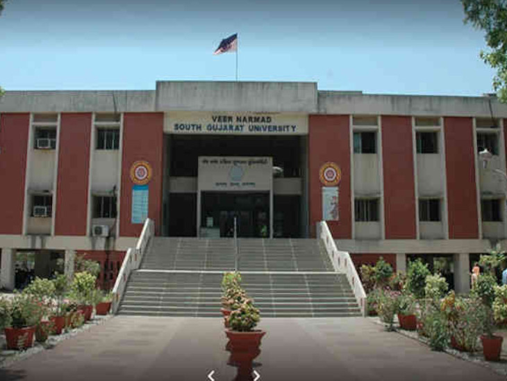 કોરોના સમયમાં MBBSની ફાઈનલ યરની પરીક્ષાને લઈને વિરોધ, યુનિવર્સિટીએ કહ્યું, પરીક્ષા વિદ્યાર્થીઓના હિતમાં સુરત,Surat - Divya Bhaskar