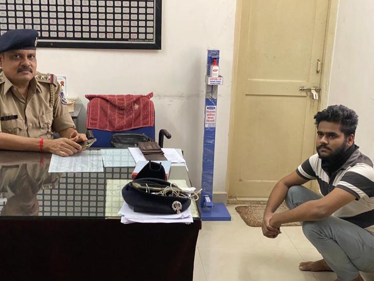 ગાડી છેતરપિંડી કેસમાં આરોપી હેમિલના 10 દિવસના રિમાન્ડ ચીખલી,Chikhli - Divya Bhaskar