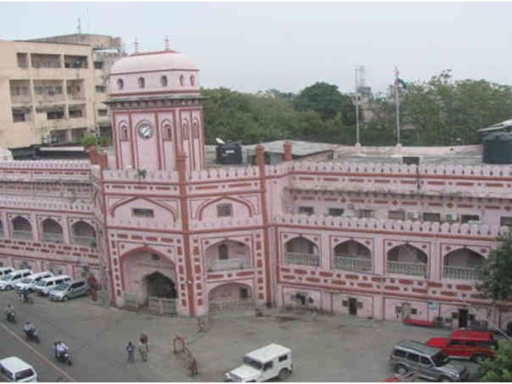 અમદાવાદની આગથી સુરતની તમામ હોસ્પિટલમાં ફાયર સેફ્ટીના તપાસના આદેશ પાલિકા કમિશનરે આપ્યા|સુરત,Surat - Divya Bhaskar