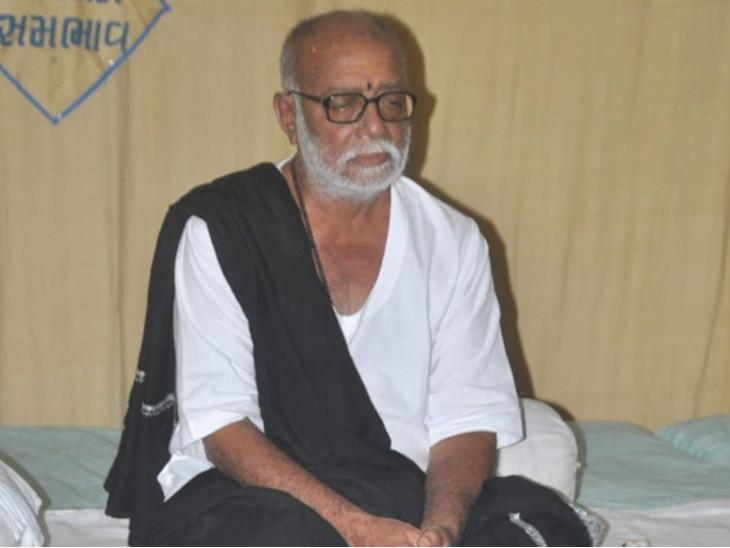 મોરારિબાપુની ફાઈલ તસવીર - Divya Bhaskar