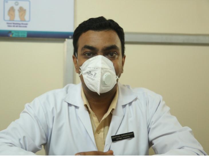 મનોજ નિકુમના પત્ની અને બહેન પણ સ્મીમેર અને સિવિલ હોસ્પિટલમાં નર્સ તરીકે ફરજ બજાવે છે - Divya Bhaskar