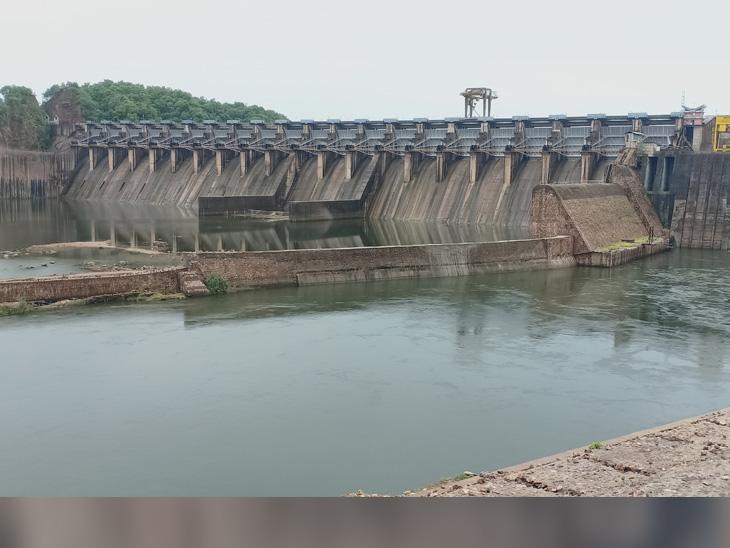 કડાણા ડેમની જળ સપાટીમા સતત થયેલો ઘટાડાથી સિંચાઇ, પીવાની સમસ્યા સર્જાશે - Divya Bhaskar