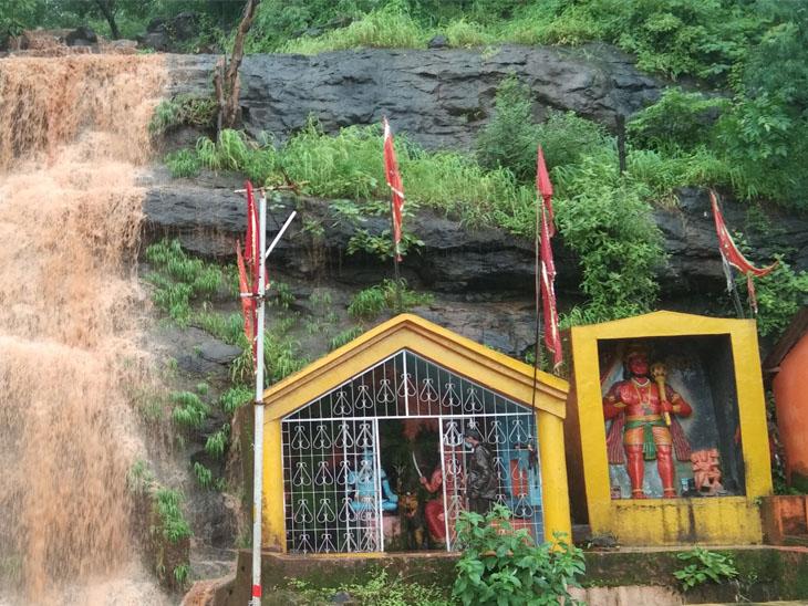 પ્રકૃતિ પ્રેમીઓ ભાસ્કરની સંગાથે માણો ડાંગ યાત્રા, શિવઘાટ ધોધ છલકાયો આહવા,Ahwa - Divya Bhaskar