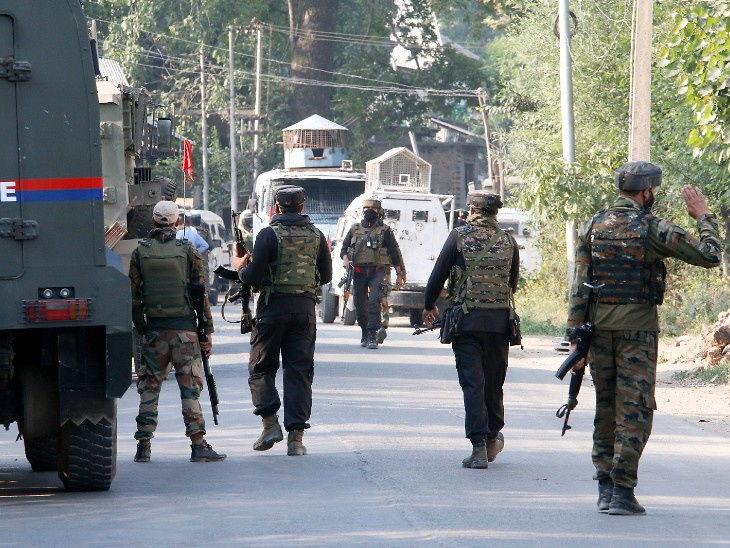 કાશ્મીરના બારામૂલામાં સુરક્ષાદળો પર આતંકી હુમલો;1 પોલીસ ઓફિસર અને CRPFના 2 જવાન શહીદ, બે આતંકી ઠાર મરાયા|ઈન્ડિયા,National - Divya Bhaskar