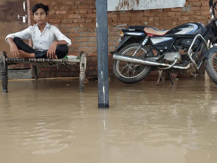 હિંમતનગર: ભારે વરસાદને પગલે લોકોના ઘર-દુકાનમાં પાણી-પાણી