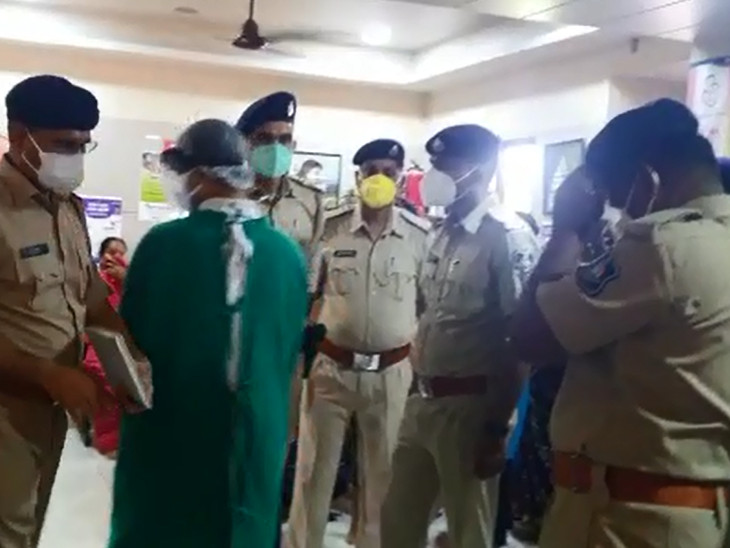 વેદાંત હોસ્પિટલમાં પહોંચેલી પોલીસ