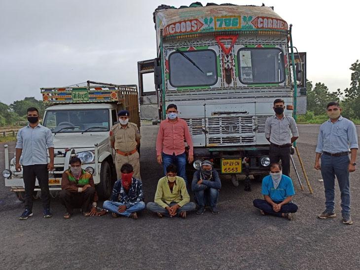 અરવલ્લી SOGએ પાંચ આરોપીઓને પકડી લીધા હતા. - Divya Bhaskar