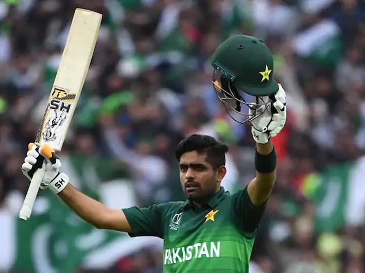 બધાની નજર બાબર આઝમ પર છે, જે ક્રિકેટના ત્રણેય ફોર્મેટમાં પાકિસ્તાનનો સર્વશ્રેષ્ઠ બેટ્સમેન બનવાના પ્રયાસ કરી રહ્યો છે. - Divya Bhaskar
