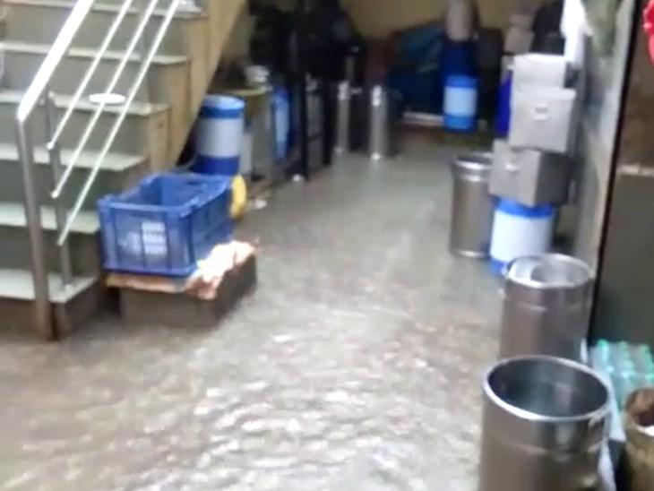 રાજકોટમાં કાલાવડ રોડ પર ઘરોમાં પાણી ઘૂસ્યા