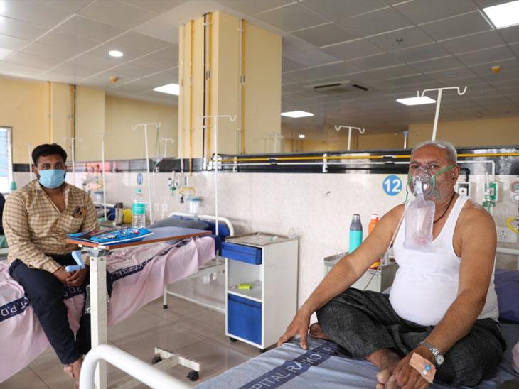 મધુર સંગીત પીરસીને કોરોના દર્દીઓના હ્રદયમાં સકારાત્મક ઉર્જાનો સંચાર કરતી રાજકોટ સિવિલ હોસ્પિટલ|રાજકોટ,Rajkot - Divya Bhaskar