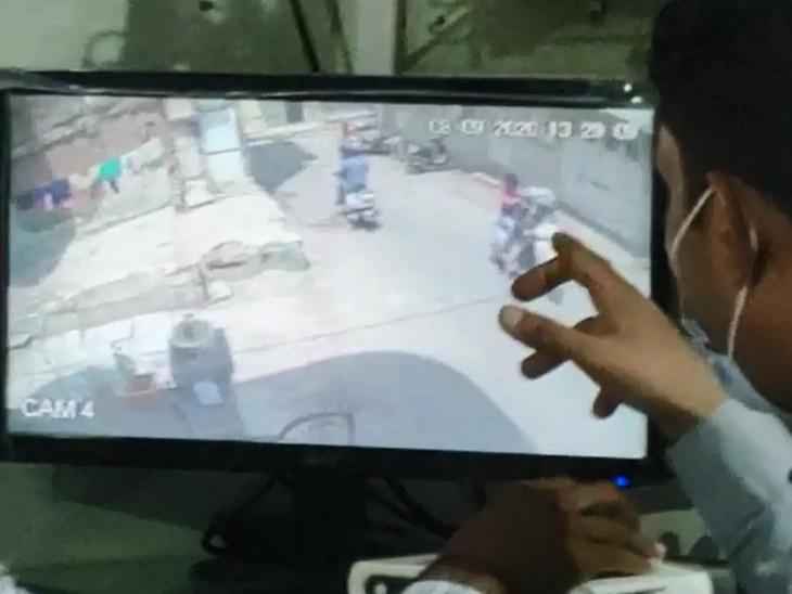 ઘરની બહારના CCTVમાં હુમલોખોરો કેદ થઇ ગયા