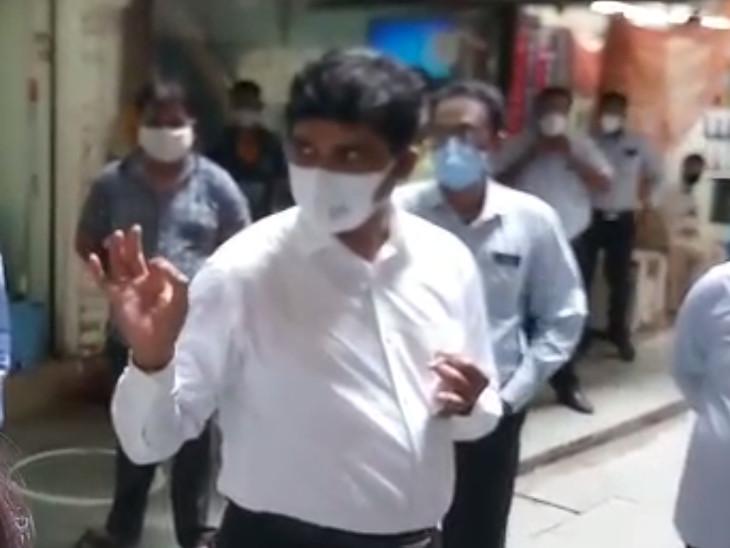 સુરત પાલિકા કમિશનરે સરપ્રાઈઝ વિઝીટ કરી, કેસ વધતા સુરક્ષા કવચ કમિટી બનાવવા તૈયારી|સુરત,Surat - Divya Bhaskar