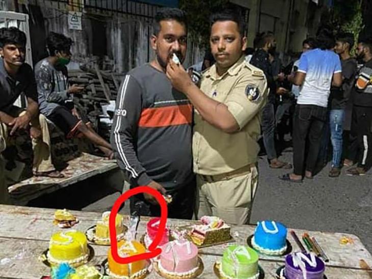 ઉજવણી દરમિયાન પોલીસ જવાન સહિતનાએ માસ્ક પણ પહેર્યું ન હતું