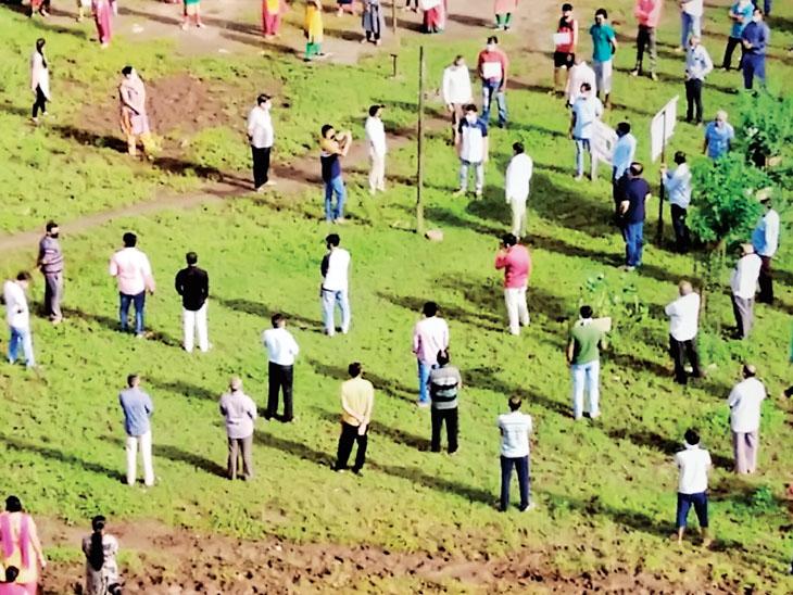 મવડીમાં આવાસ યોજનાના પ્લોટમાં વૃક્ષારોપણ કરી દબાણ|રાજકોટ,Rajkot - Divya Bhaskar