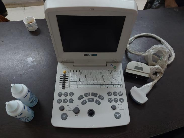 પોલીસે સોનોગ્રાફી મશીન સહિતનો મુદ્દામાલ કબ્જે કર્યો